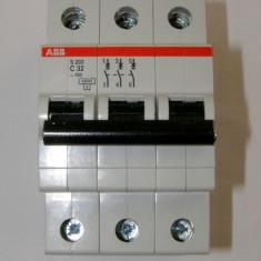 ABB Intrerupator automat tripolar 32A(073) - Priza si intrerupator