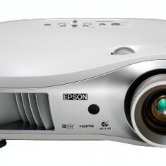 VIDEOPROIECTOR PROIECTOR EPSON EMP TW700 HD HDMI Diagonala Imagine 7, 5 metri
