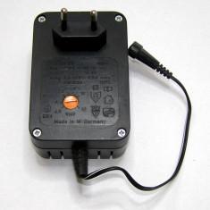 Transformator reglabil 220 Vac- 4.5-5-6-8-10-12 Vdc(923)