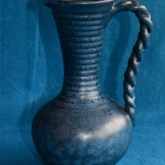 VAS DECORATIV/ CARAFA/ DECANTOR DIN CERAMICA CU ANSA SUCITA L 60 - Arta Ceramica