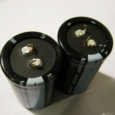 Condensator 10000 uF ,  100V