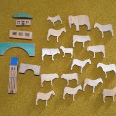 Lot jucarii figurine animale de lemn si cladiri, jucarii Waldorf, 4-9cm, decor, - Miniatura Figurina