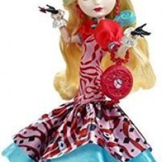Papusa Ever After High Way Too Wonderland Apple White