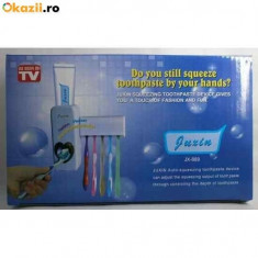 Dozator pentru pasta de dinti cu suport pentru 5 periute