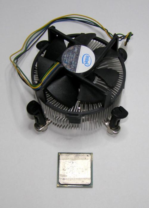 Procesor P4 2.66 GHz socket 478 cu cooler(62)