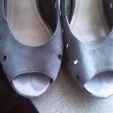 sandale gri cu tinte marime 40
