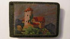CY - Album foto foarte vechi de mici dimensiuni coperte din piele pictata manual foto