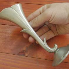 Vaza model art nouveau / piesa deosebita din metal !!!! - Metal/Fonta