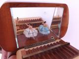 Cutiuta muzicala pentru trabucuri in stare de functionare.