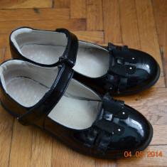 Pantofiori negrii de lac - Pantofi copii, Culoare: Negru, Marime: 33