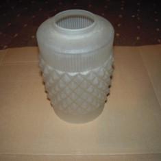 Abajur din sticla matuita, diametru sus la prindere 4.5 cm