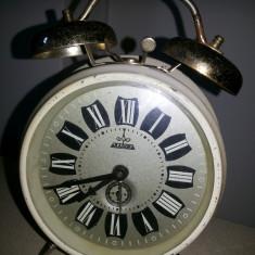 """Ceasuri vechi desteptatoare, mecanice, """"Aradora"""" - Ceas desteptator"""