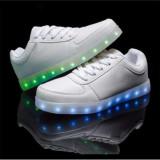 Adidasi albi unisex cu Leduri Led 7 culori 4 moduri flash, 35, 36, 38, 39, 40, 41, 42, 43, 44, Alb, Piele sintetica