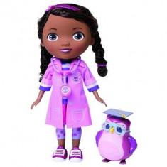 Papusa Giochi Preziosi Doc Mcstuffins Specialist Dentist Dottie Doll