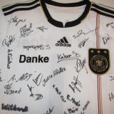 Tricou ADIDAS-fotbal - Nationala Germaniei (autografele nu sunt de la jucatori)