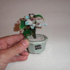 Ghiveci cu flori decorativ din sticla - Figurina/statueta