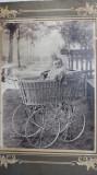 FOTOGRAFIE VECHE 1911- CARUCIOR DE EPOCA -COPIL DIN EMIGRATIA ROMANA IN AMERICA