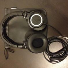 Casti profesionale Audio Technica ATH M50, Casti Over Ear, Cu fir, Mufa 3, 5mm, Active Noise Cancelling