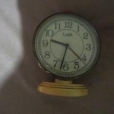 Ceas de masa luch made belarus functioneaza si arata ca nou