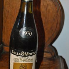 VECHE STICLA DE VIN DE COLECTIE, AN 1970 SELLA MOSCA, Aroma: Sec, Sortiment: Roze, Zona: Europa
