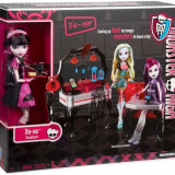 Papusa Monster High- Draculaura + mobilier