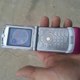 Motorola RAZR V3 - Telefon Motorola, Roz, Nu se aplica, Neblocat, Single SIM, Fara procesor