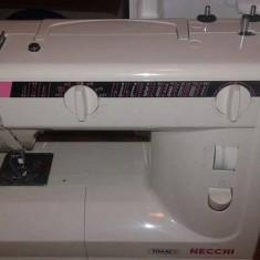 Masina de cusut Necchi