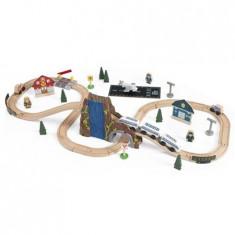 Trenulet Kidkraft din lemn Euro Express cu set de accesorii