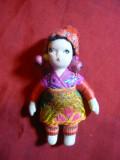 Papusica din portelan -in Costum Popular Oriental ,h=7 cm, maini ,picioare mobil