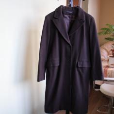 Palton maro-ciocolatiu, lana 100%, gros si calduros