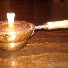 Vas vechi de cupru lucrat manual - Metal/Fonta