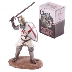 Statuetă Cavaler Medieval Cruciat atacând - Sculptura