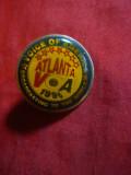 Insigna Vocea Americii - Olimpiada Atlanta , d= 2,5 cm , metal si email