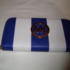 Portofel, portmoneu dama MK albastru mat cu alb in dungi, 1 fermoar model nou - Portofel Dama Michael Kors, Culoare: Din imagine, Cu fermoar