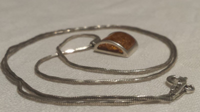 MEDALION argint cu Chihlimbar in anturaj ELEGANT finut DE EFECT pe Lant argint foto