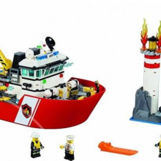 LEGO® City fire boat 60109
