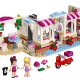 LEGO® Friends Heartlake Cupcake Café 41119