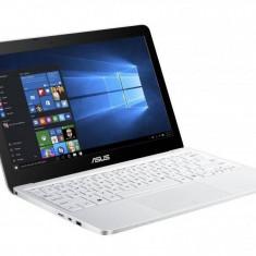 Notebook Asus X540LA-XX102D, alb - Laptop Asus, Intel Core i3, Diagonala ecran: 15, 4 GB, 500 GB, Fara sistem operare