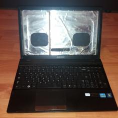 Samsung NP300-carcasa completa +tastatura+balamale+cablu display si web - Carcasa laptop Sony