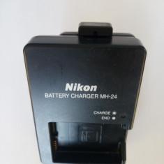 Incarcator aparat foto Nikon MH-24 bateria EN-EL14 / 8.4V, 0.9A / D5300 (644)