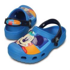 Saboti pentru copii Crocs CC Mickey Colorblock Clog Ocean (Crc202693-4DG) - Papuci copii Crocs, Marime: 21.5, 23.5, 27.5, 29.5, 32.5, 33.5, 34.5, Culoare: Albastru, Baieti