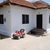 Casa la tara la 35 Craiova