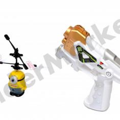Elicopter Minion Despicable Me 2 cu elice si pistol pentru comanda - Figurina Desene animate