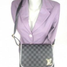 Geanta dama neagra cu bleumarin Louis Vuitton+CADOU, Culoare: Din imagine, Marime: Medie, Geanta de umar, Asemanator piele