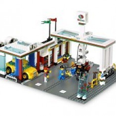 LEGO 7993 Service Station - LEGO Classic