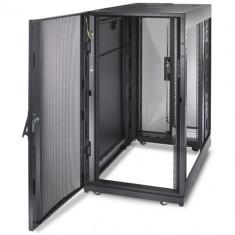 Rack-uri pentru servere profesionale APC 25 U - Rack server
