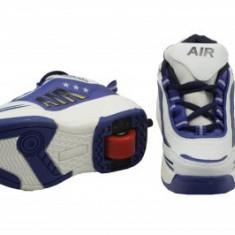 Pantofi sport cu role incorporate