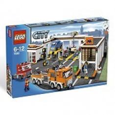 LEGO 7642 Garage - LEGO Classic
