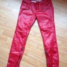 Pantaloni de piele 70 lei!!! - Pantaloni dama Pull & Bear, Marime: M, Culoare: Din imagine