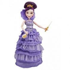 Papusa Disney Descendants - Mal In Tinuta De Incoronare, 6-8 ani